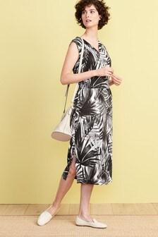 Присборенное трикотажное платье миди