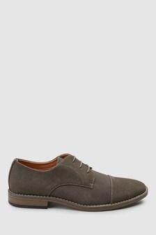Textured Toe Cap Shoe