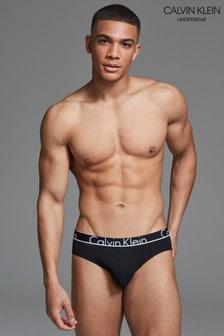 Braguitas negras a la cadera de Calvin Klein