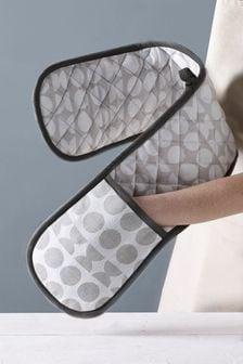 Ofenhandschuhe mit geometrischem Muster