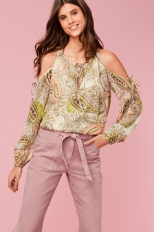 59c59ca585e5a8 Paisley Pattern Cold Shoulder Top