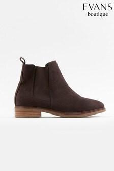 Evans Curve Brown Chelsea Boots
