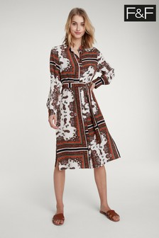 Brązowa sukienka koszulowa F&F z motywem apaszki