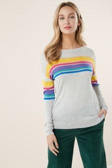 Полосатый свитер с вырезом под горло