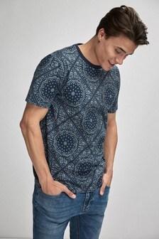 Paisley Pattern Tile Print T-Shirt