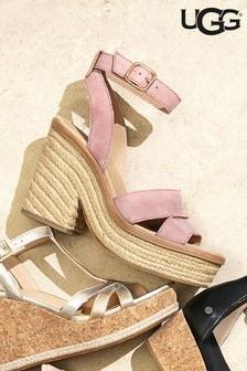 Różowe sandały na blokowym obcasie UGG® Carine