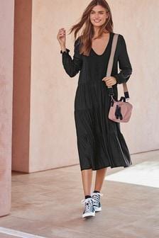 Многоярусное платье с длинным рукавом