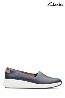 Clarks Navy Un Rio Step Shoes