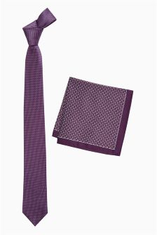 Textured Tie With Pocket Square