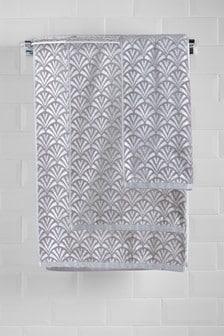 Deco Fan Towels