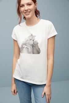חולצת טי עם שוליים מתעגלים