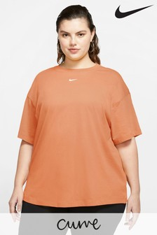 Nike Curve Boyfriend Fit T-Shirt