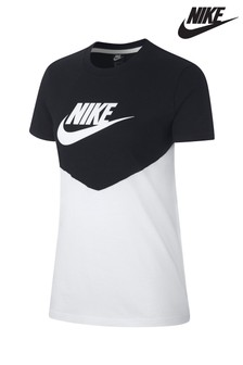 Nike Heritage Short Sleeved T-Shirt