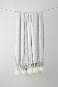 Luxurious Pom Throw