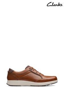 Jasnobrązowe buty Clarks Un Trail Form