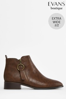 Evans Extra Wide Fit Brown Ring Zip Ankle Boots