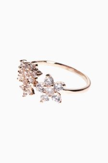 Flower Detail Effect Ring