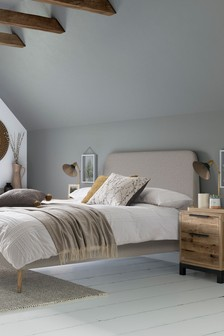 Wolton Bed