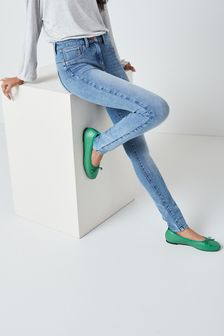 360° Stretch Skinny Jeans