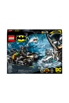 LEGO® Batman® Mr. Freeze Batcycle Battle 76118