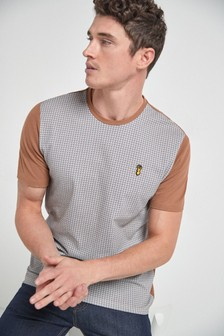 Dogtooth Pattern T-Shirt