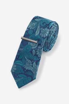 ربطة عنق مشجرة مع دبوس
