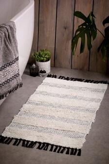 שטיח אמבטיה במראה תעשייתי בדוגמה גיאומטרית