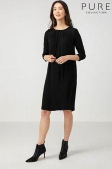 Vestido negro con detalle plisado de Pure Collection