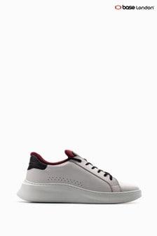 حذاء رياضي أبيض مشمع/برباطCrescent منBase London