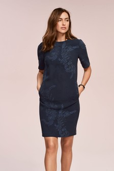 Платье из крепа с короткими рукавами