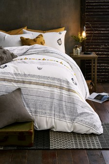 Tufted Geo Duvet Cover and Pillowcase Set