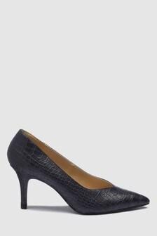 Туфли-лодочки с треугольным вырезом