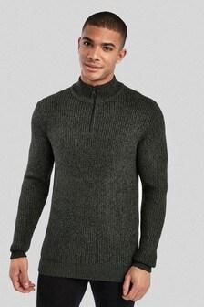 Teksturowany sweter zapinany na suwak pod szyją