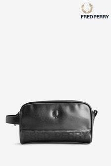 حقيبة مستلزمات عناية شخصية سوداء منقوشة من Fred Perry