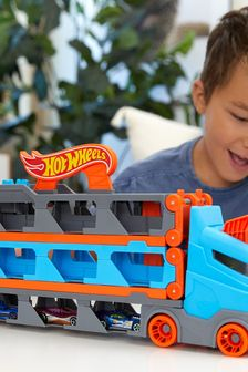 Hot Wheels Speedway Hauler Carrier With 3 Toy Cars