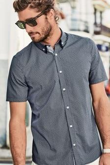 Рубашка с короткими рукавами, двойным воротником и геометрическим принтом