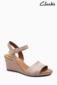 Cieliste pantofle na platformach, bez palców Clarks Lafley Aletha