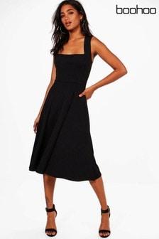 Приталенное платье миди с квадратным вырезом Boohoo
