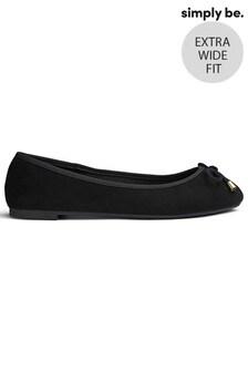 נעלי בובה בגזרה רחבה במיוחד של Simply Be