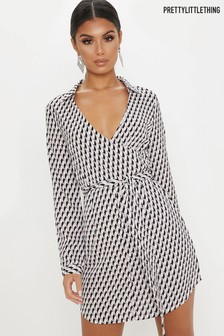 2d6e5491c5 PrettyLittleThing Geo Print Wrap Dress