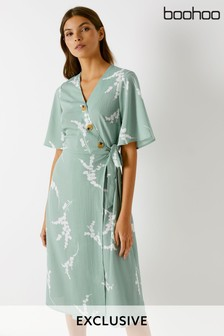 Boohoo Angel Sleeve Button Detail Wrap Dress