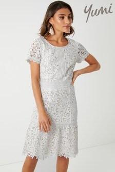 Yumi Pretty Contrast Guipure Dress