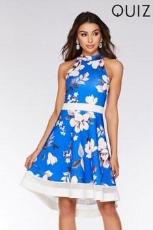 Sukienka ze stójką Quiz, przedłużana z tyłu