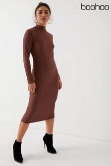 שמלת מידי במרקם ריב עם צווארון גבוה של Boohoo