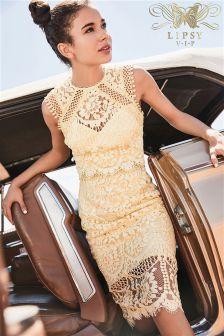 Haftowana sukienka koronkowa Lipsy VIP Midi