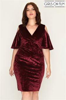 Girls On Film Curve Velvet Cold Shoulder Dress