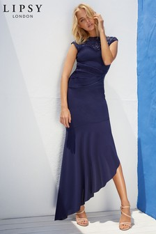 שמלת מקסי אסימטרית עם פייטים של Lipsy במידת פטיט