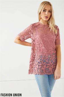 חולצת תחרה עם גב חשוף של Fashion Union