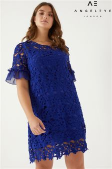 Angeleye Curve Lace Shift Dress