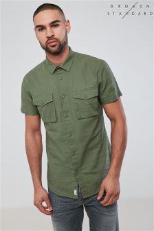 Broken Standard Twin Pocket Short Sleeve Shirt